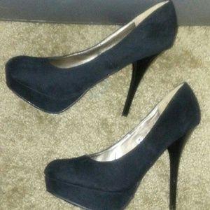 New~ Mossimo Black Heels